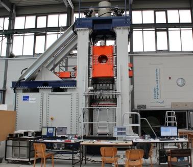 Abbildung 1 der Prüfmaschine