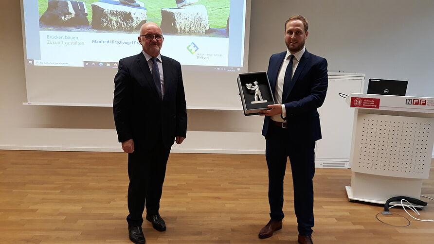 Übergabe_Award_Herzträger